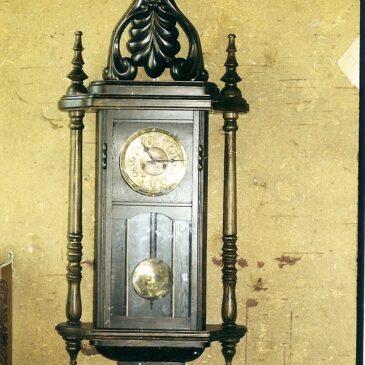 Реставрация старинных часов с отделкой